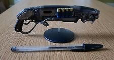 """Official Gears of War 4 Gnasher Shotgun 6"""" Model Brand New with display stand."""