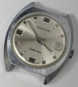 Vtg. 1970s HERITAGE Swiss Made Mechanical CALENDAR WATCH 1j Basis Watch Movement