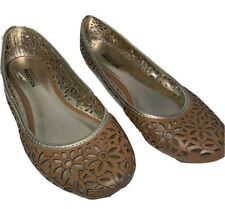 Kenneth Cole Reaction Flats Size 6.5 - Tan Cut Out Pattern