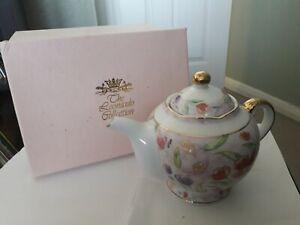 Leonardo Collection teapot - with Original Box.