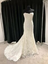 Pronovias Andrea Size 12 Ivory Lace fish tail with jacket
