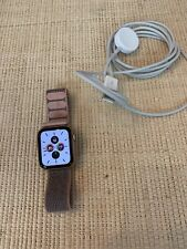 Apple Watch Series 4 40 mm Gold Aluminum w/Pink Active Nylon Band GPS+Cellular