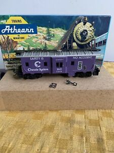 Athearn #1260 GREAT NORTHERN CABOOSE- HO SCALE