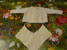 Pour poupon ou poupée vintage,bavoir tricoté main,  pull blanc ,colin raynal snf