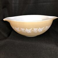 Pyrex Sandlewood 4 qt. Nesting Bowl Beige Ivy #444 Very Good Vintage Condition