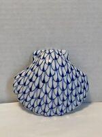 Andrea By Sadek Shell Figurine Blue White Fishnet Porcelain Hand Painted