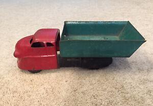 Antique Pressed Metal Wyandotte Toys ??  Dump Truck 1930s READ**