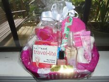 LADIES GIFT BASKET IN FUCHSIA