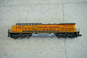 Union Pacific UP #6736  N Scale Engine Runs