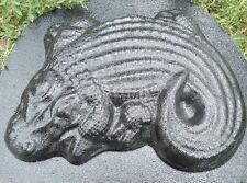 Alligator plastic mold plaster concrete resin casting