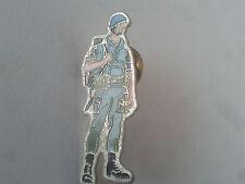 PIN'S SERIE MILITAIRE Armée casque bleu PINS