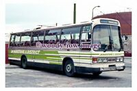 gw0670 - Maidstone & District Coach , reg XGS 771X - photograph