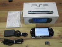 Sony PSP 1000 Console Piano Black w/box 4GB Memory Stick Japan o923