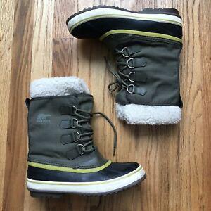 Women's Sorel Winter Carnival Faux Shearling Dark Green Black Snow Boots Sz 8.5
