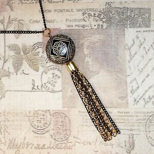 Flapper/Gatsby/1920's long black gold necklace with carved deco beads & tassel