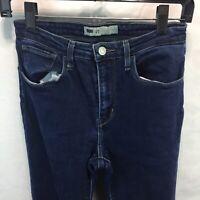 Levis 27 x 30 Womens Skinny Stretch Dark Blue Denim Jeans C13