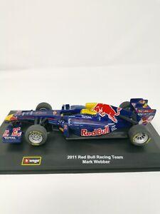 F1 Model race car RED BULL RACING - Burago 2011 Mark Webber - Scale 1:32