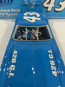 1970 #43 Richard Petty  Plymouth Superbird Marc Times Edition 1/1002 Autographed