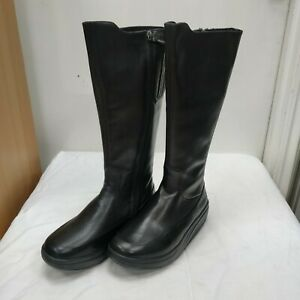 MBT boots - walking fit - 100% leather - brand new in box - size UK 3.5