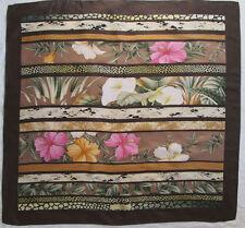-Superbe Foulard  SALVATORE FERRAGAMO   soie   TBEG  vintage Scarf 86 x 89 cm