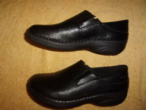 Spring Step BLACK SHOES WOMEN'S SIZE: 7 1/2 W