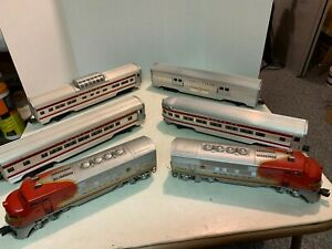 Lionel Postwar - 2353 Sante FE F3 AA and 2561, 2562, 2563, 2530 Passenger Cars