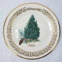 1982 Lenox Limited Christmas Commemorative Issue dinner plate - Aleppo Pine