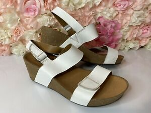 🌸 CLARKS COLLECTION white leather & cork sandals UK size 8 E 🌸 Tried on once!
