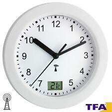 TFA 36 Horloge avec affichage de la température pour salle bain lavage 947