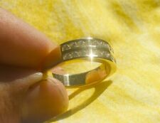 Diamond ring, 18 ct solid yellow gold