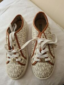 Michael Kors shoes size 3.5