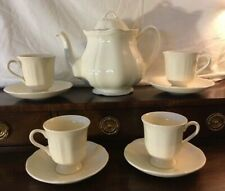 Wedgwood QUEEN'S PLAIN Tea Pot 792732 w/ 4 Cups and Saucers