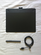 [BARELY USED] WACOM Intuos Pen & Touch Tablet, Medium, Black (CTH-690)