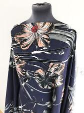 Bleu Marine/culotte rose pêche illustré floral/Fleur Poly Tissé Crêpe couture tissu