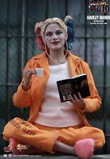 Hot Toys Harley Quinn Suicide Squad (Prisoner Version) 1/6 Scale / MMS407