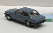 190:  BMW 320 ii,    grau