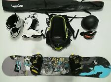 Set snowboard: tavola + scarponi + giacca + pantaloni + casco + occhiali + zaino