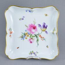 Coupe carrée à bordure lobée en porcelaine de MEISSEN Decor bouquet de fleurs