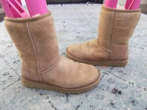 UGG 5825 Classic Short Chestnut Suede SHEEPSKIN Boots SIZE 7