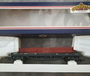 Bachmann 33-927 30T bogie bolster wagon with steel beams oo gauge in box