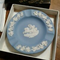 NICE WEDGEWOOD ASHTRAY IN GOOD CONDITION WITH BOX NICE PIECE LIGHTLY USED