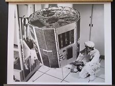 """Lot27 - 1974 UK5 SATELLITE Ready For Launch SPACE TECHNOLOGY 12x10"""" PHOTO"""