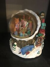 Winnie the Pooh Snow Globe-plays Ill Be Home In Time For Xmas