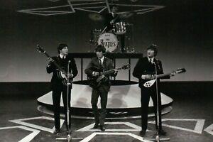 The Beatles Paul McCartney George Harrison John Lennon & Jimmie Nicol - Postcard