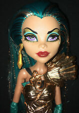 Monster High doll Nefera De Nile Boo York City Schemes doll with clothes shoes