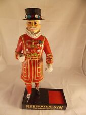 VINTAGE BEEFEATER GIN GUARD BAR BOTTLE DISPLAY