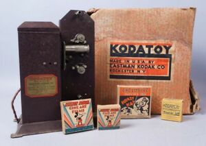 Vintage Kodatoy Home Projector w Reel Movies incl Krazy Kat Felix Mickey Mouse