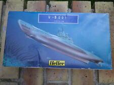 HELLER Kit plastique 1:400 à monter: SOUS MARIN U - BOOT WWII état neuf