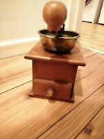 VINTAGE WOODEN COFFEE GRINDER WITH DRAWER NICE CONDITION COFFEE MILL RETRO STYLE