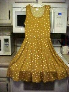 NWT LuLaRoe Nicki Dress-Medium-Gold with White Polka Dots